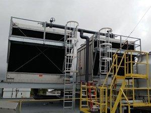 2 tours d'eau de 300 tonnes chacune